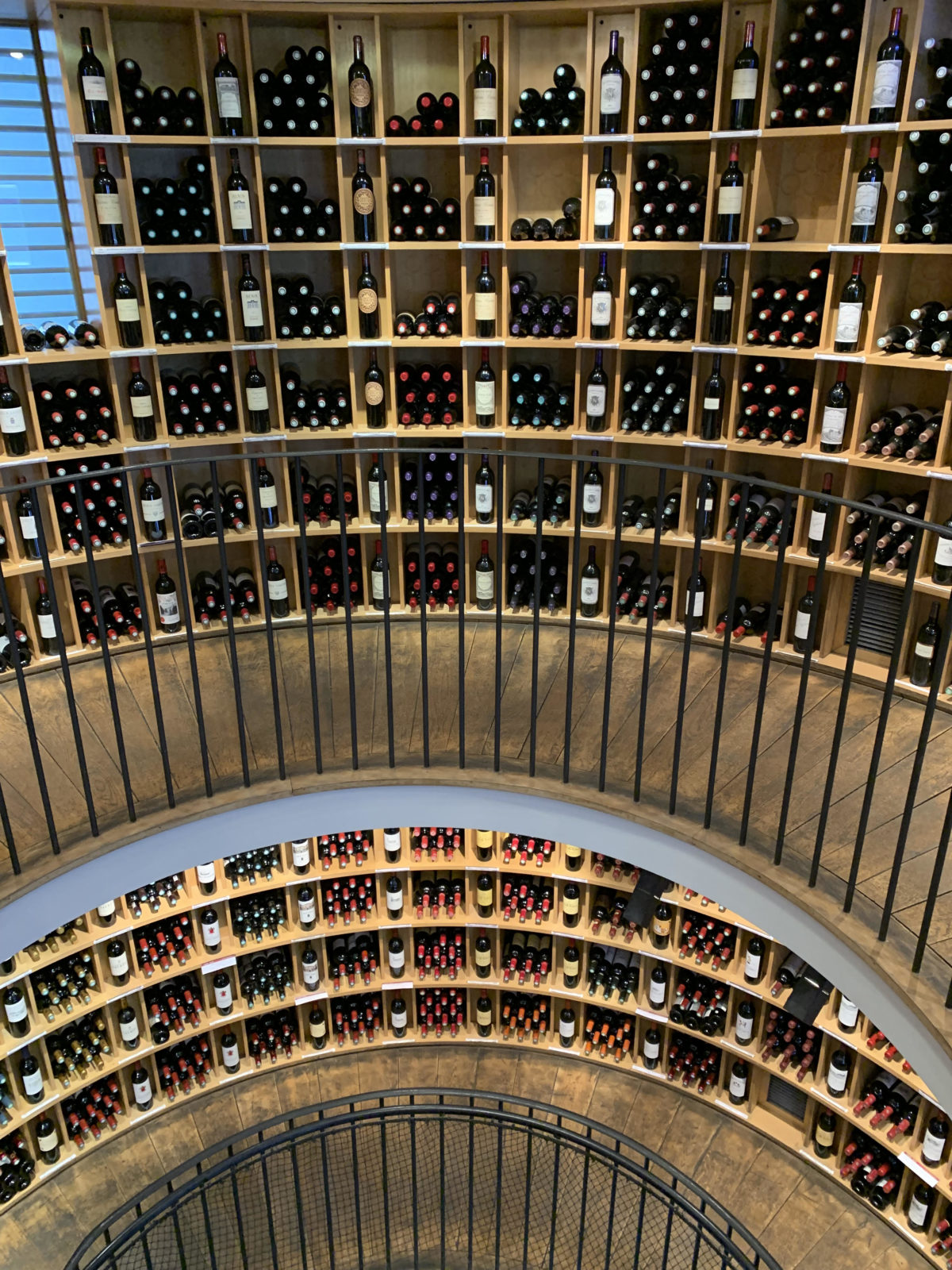 """L'Intendant – """"A Mythical Ascent in the World of Bordeaux Wines"""""""