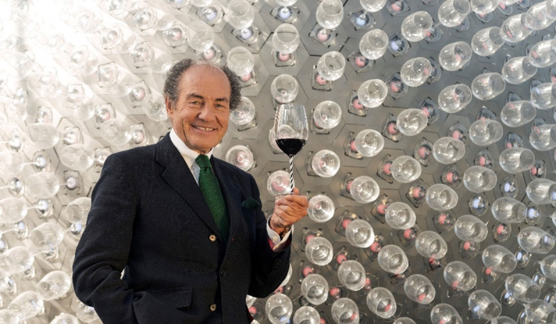 Georg J. Riedel Honoured by Wine Spectator Magazine